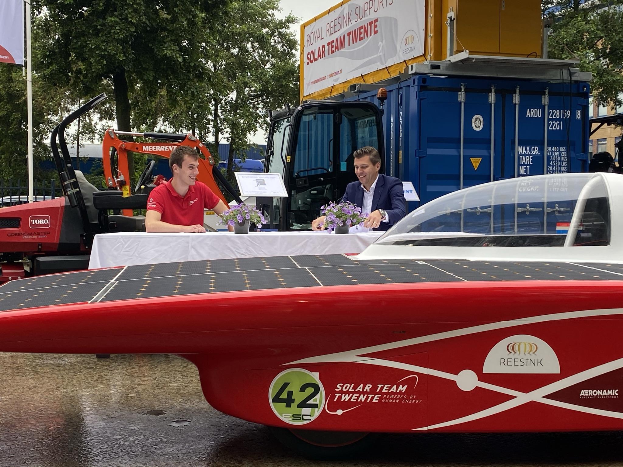 Royal Reesink heeft een officieel partnership ondertekend met Solar Team Twente